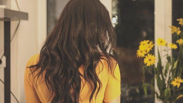 brunette-2178266_640