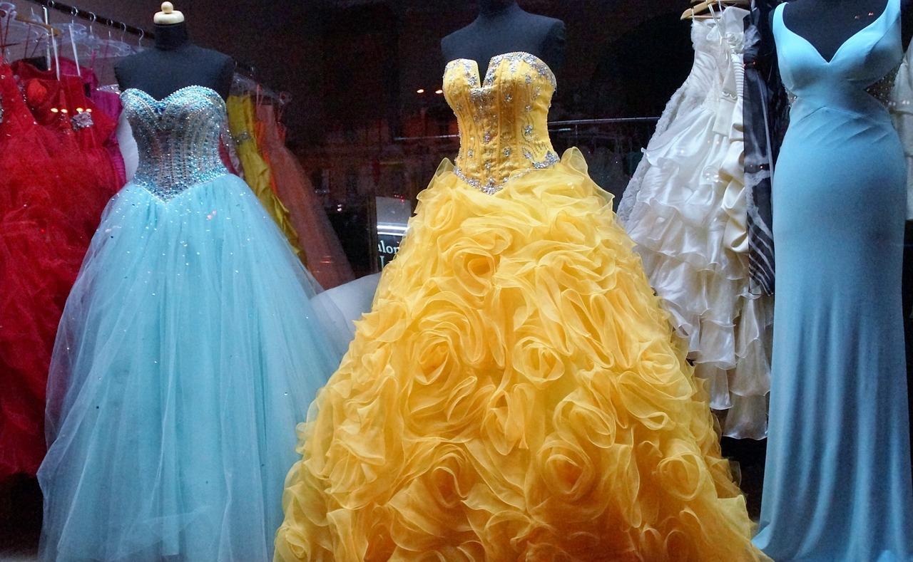 Plesové, šaty